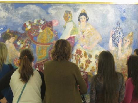Un grupo visitando el Museo.