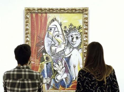Dos alumnos desentrañando las geometrías de Picasso
