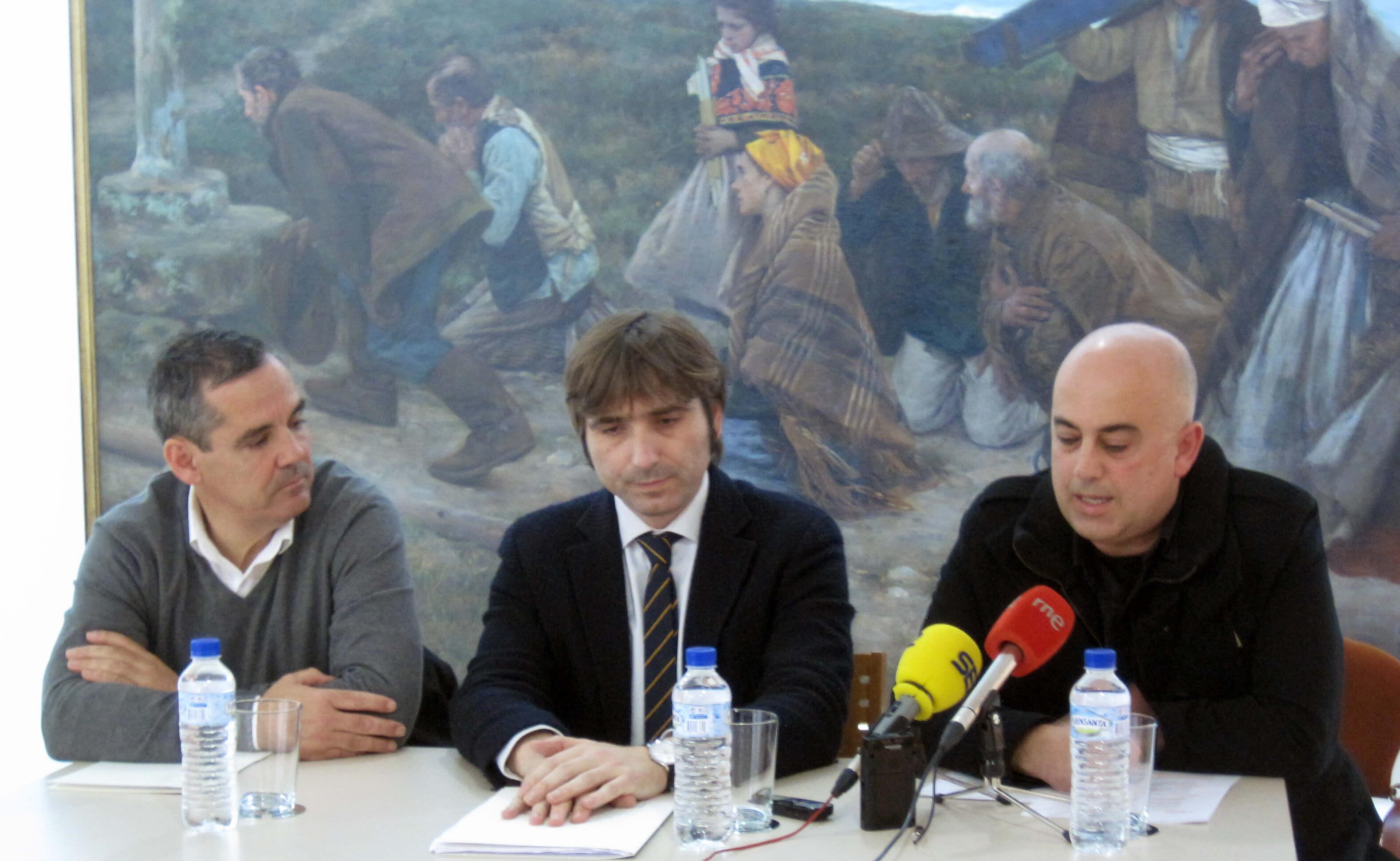 Inauguración de la exposición El vaciado de la huella belga, de Carlos Suárez