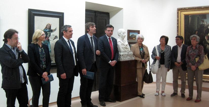 Presentación de los bustos de Uría y Jovellanos por Gragera