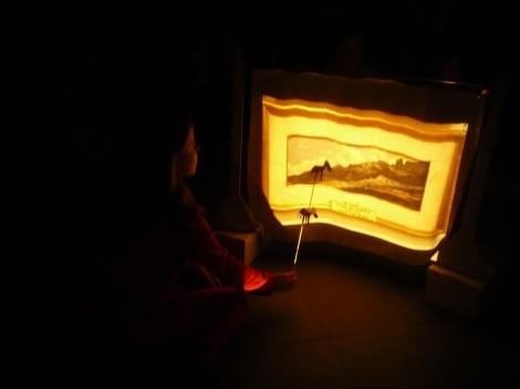 Teatro de sombras sobre los paisajes del Museo.
